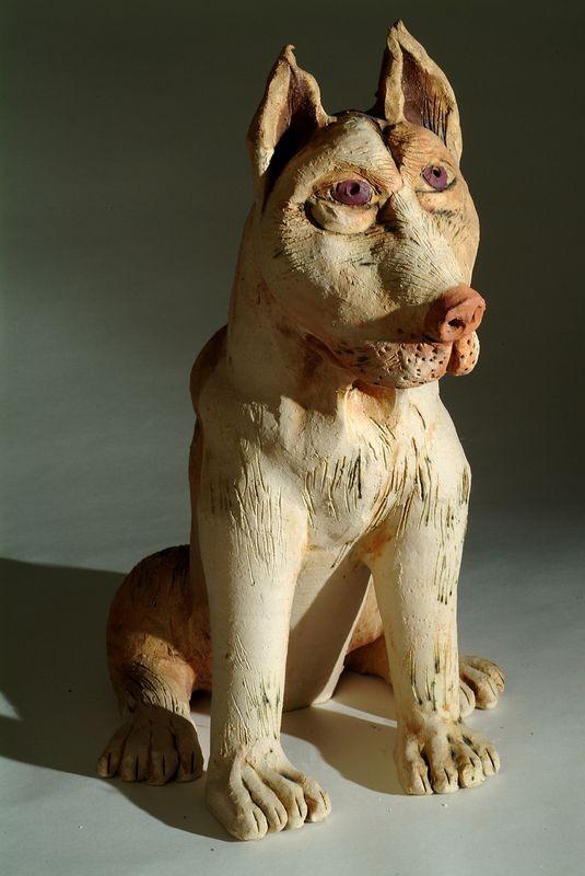 Kerámia szobor, ülő argentin dog.
