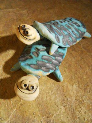 apró kék teknős
