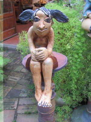 ülő szobor 2