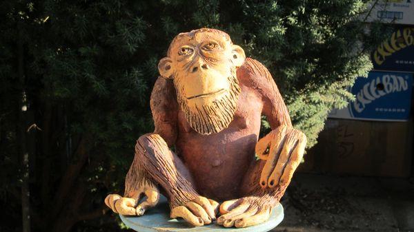 majom 4 - Egyedi kerámia