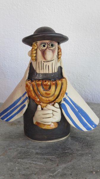 rabbi menórával 16×18 5500 - Egyedi kerámia