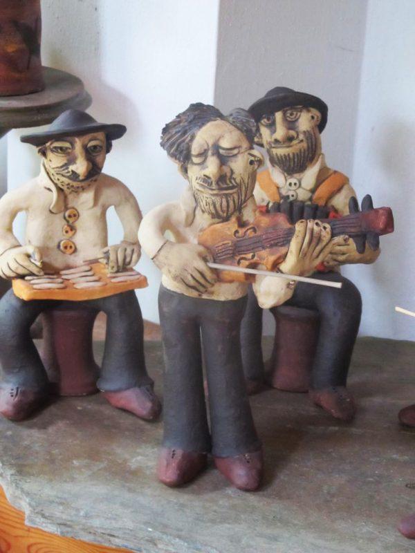 Kerámia zenész figurák