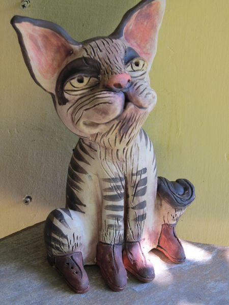 Macska szobor kerámiából