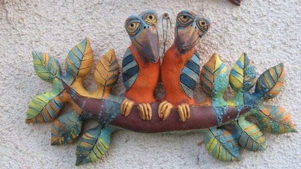 Kerámia fali dísz leveles ágon ülő madarakkal-