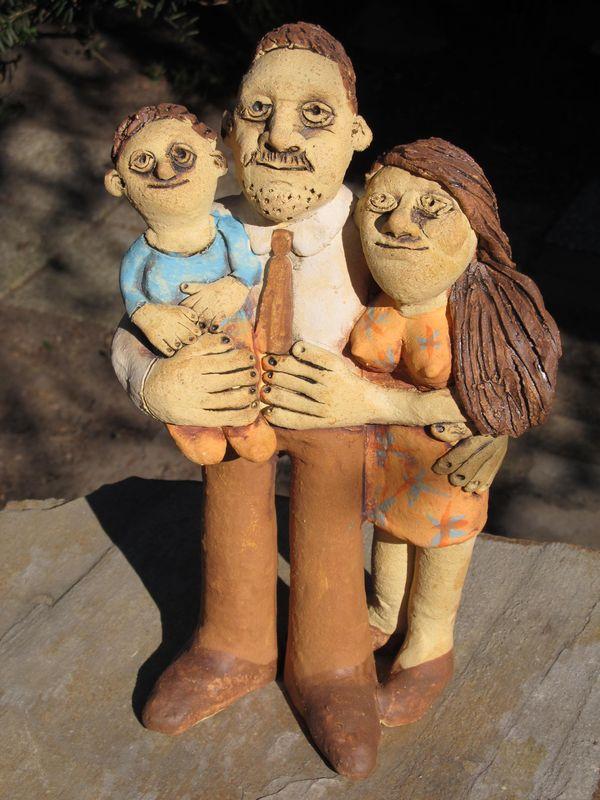 Kerámia emberfigurák - családi portré kisgyerekkel.