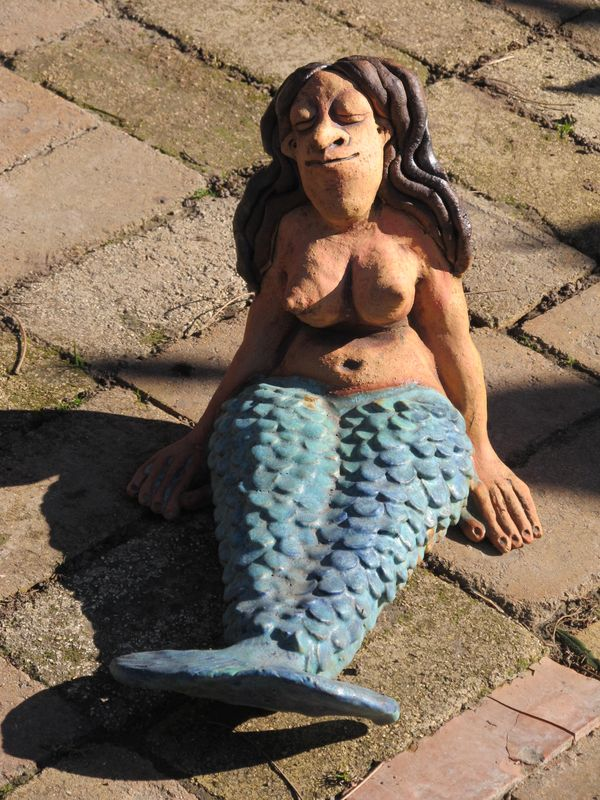 Kerámia sellő szobor