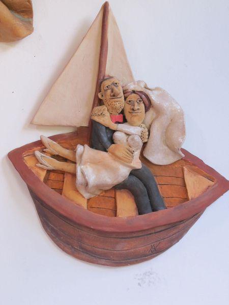 Kerámia falikép - menyasszony és vőlegény egy csónakban